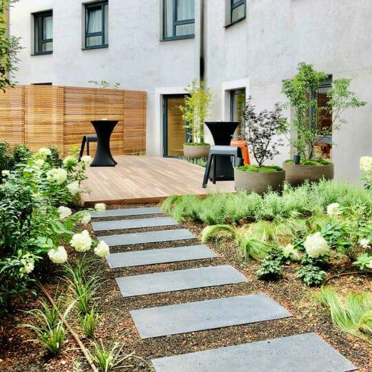 Seminarraum mit Garten