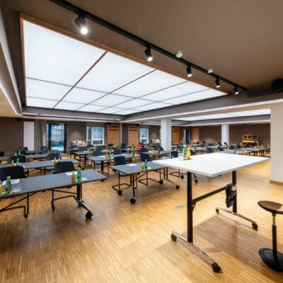 Convertible conference rooms